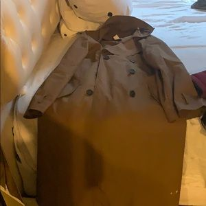 Trench coat in good condition